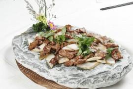湘云烤鹿肉的做法_怎么做湘云烤鹿肉_如何做湘云烤鹿肉_烤鹿肉串好吃吗?