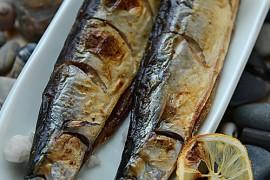 海盐烤秋刀的做法大全_海盐烤秋刀的家常做法怎么做好吃