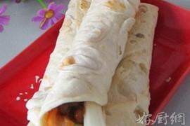 烤鸭卷饼的做法大全_烤鸭卷饼的家常做法怎么做好吃