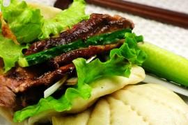 烤鸭荷叶饼夹的做法大全_烤鸭荷叶饼夹的家常做法怎么做好吃