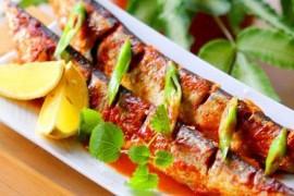 韩式辣烤秋刀鱼的做法大全_韩式辣烤秋刀鱼的家常做法怎么做好吃