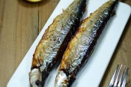 盐烤秋刀鱼的做法_盐烤秋刀鱼的家常做法大全怎么做好吃_