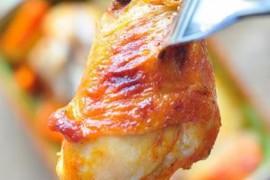胡萝卜土豆烤鸡腿的做法_胡萝卜土豆烤鸡腿的家常做法大全怎么做好吃