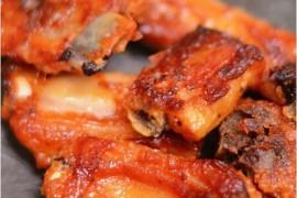 黑椒烤排骨的做法_黑椒烤排骨的家常做法大全怎么做好吃
